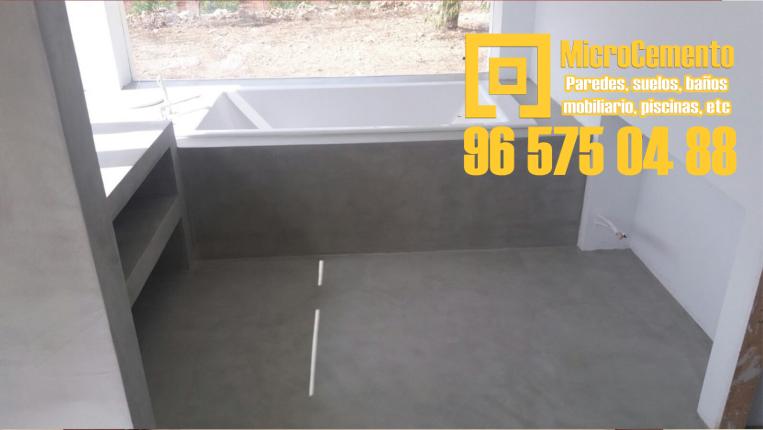 Revestir baños y suelos con microcemento
